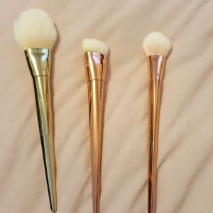 Used real techniques bold metal face brushes
